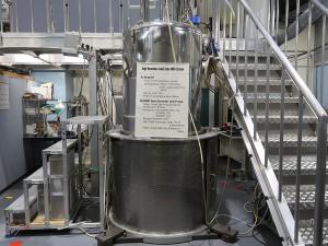 500MHz固体高分解能NMR